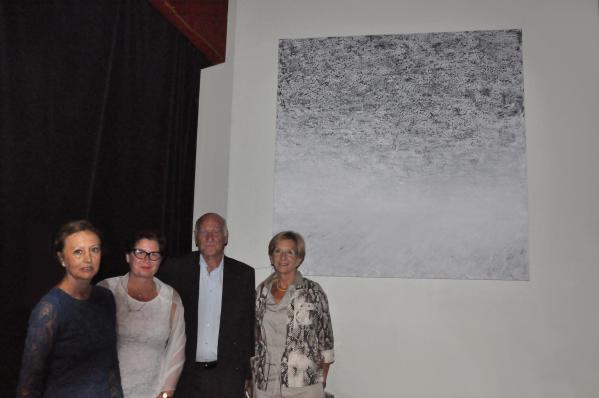 0 les oeuvres d art de verena von lichtenberg artiste peintre ici avec christine emery chore graphe joe l loison maire de velizy villacoublay et monique loison des oeuvres qui e ta
