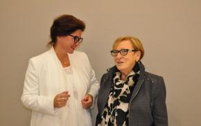0 verena von lichtenberg et eliane nocton maire adjoint de tinqueux une exposition d art et de peinture