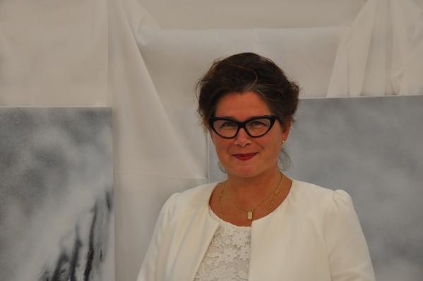 00 verena von lichtenberg artiste peintre de paris elle est a tinqueux une exposition d art et de peinture ses toiles a tokyo moscou new york en galerie et muse e