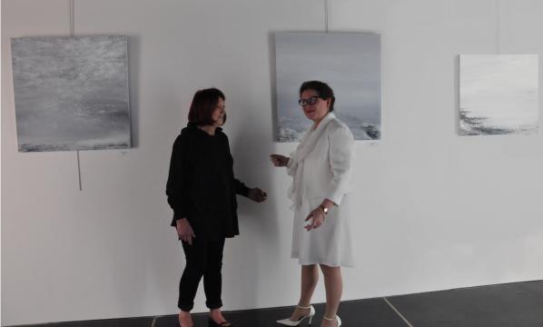 01a die kunstausstellung der malerin verena von lichtenberg aus paris mit paule pariente von artec im palais des congres du mans copie 2