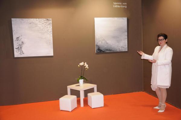 02 verena von lichtenberg die malerin une ihre neue kunstaustellung lumiere australe im grand palais in paris