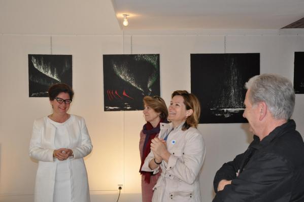 08 vvl l artiste peintre verena von lichtenberg de paris et la senatrice maire de saulieu une exposition d art au musee pompon en bourgogne a saulieu