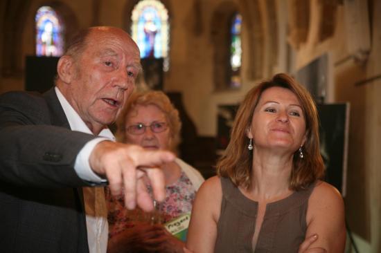 1 anne catherine loisier senateur maire accueille l artiste peintre verena von lichtenberg en bourgogne saulieu a l eglise st saturnin une exposition d art