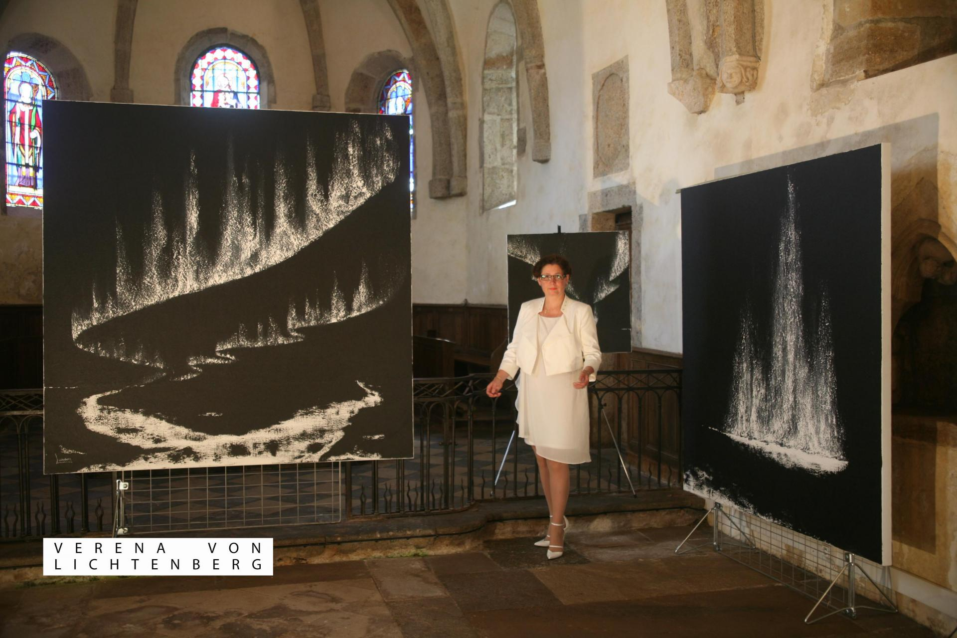 1 the painter verena von lichtenberg the artist and her exhibition is in saturnin the french bourgogne