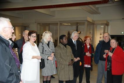 11 exposition d art de romorentin verena von lichtenberg artiste peintre he le ne le de an adjointe au maire a la culture goze artiste mr le maire jeanny lorgeoux franc oise icard
