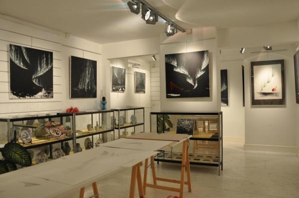 11 verena von lichtenberg und floris jespers zwei maler und kunstler in der galerie utopian art in florenville oraval en belgien