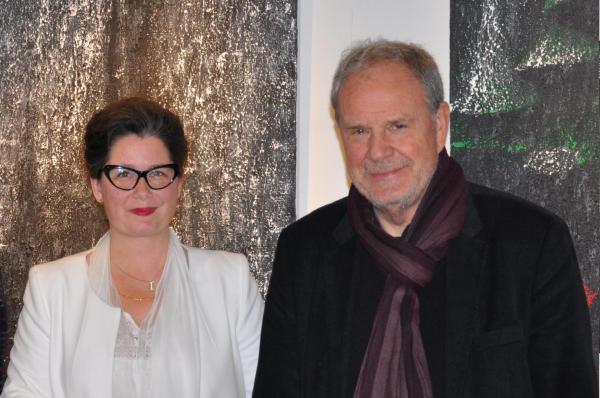 12 l artiste peintre verena von lichtenberg et robert cadalbert president de la communaute d aglommeration de saint quentin en yvelines a l exposition d art nord licht en musees et