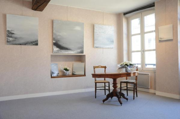 14 l exposition d art lumiere australe de l artiste peintre verena von lichtenberg a la galerie d art art expression a auxerre des pigment couleurs naturels en acrylique ou huile