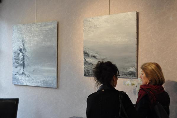 18 pigment couleurs naturels des toiles en lin l expositiono d art lumiere australe de l artiste peintre verena von lichtenberg est en bourgogne a la galerie art expression