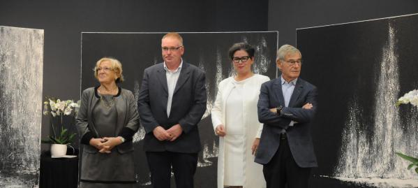 18b le vernissage verena les adjoints au maire de tinqueux et verena von lichtenberg artiste peintre