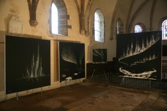 2 l artiste peintre verena von lichtenberg et ses oeuvres d art et peinture de l exposition nord licht a saulieu a l eglise st saturnin