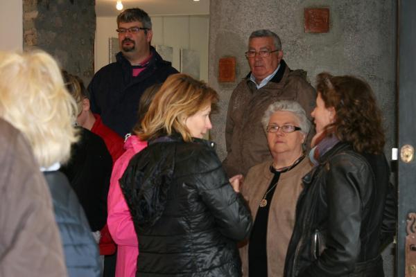 212 anne catherine loisier senatrice presidente de la communaute de commune maire et colette grossetete adjointe a l exposition d art de verena von lichtenberg