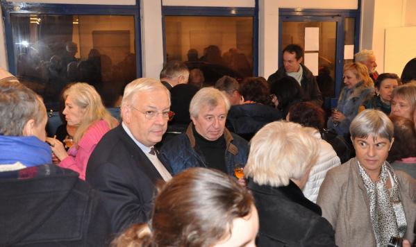 25a jean pierre pluyaud vice president ca saint quentin en yvelines alains beral artiste peintre a l exposition d art de verena von lichtenberg