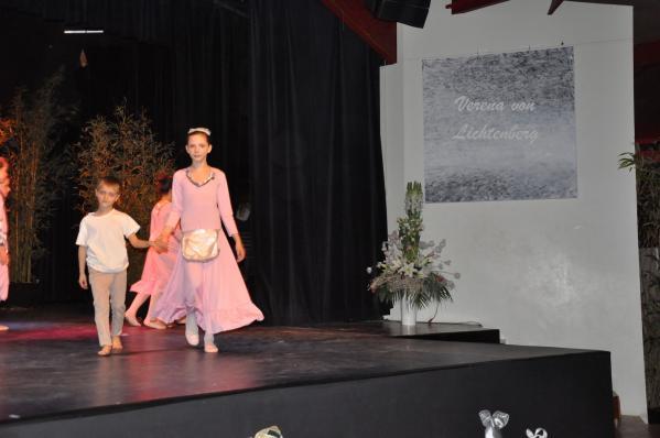 27 pre sent au ballet et a l exposition d art de verena von lichtenberg alain schmitz jean noe l barrotpatrick charles julien charles franc ois de mazie res