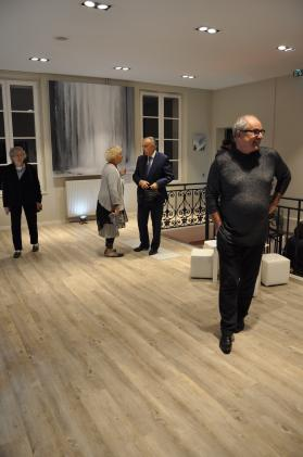 36 2 une exposition d art et de peinture de l artiste peintre verena von lichtenberg elle est en galerie d art et de peinture au louvre grand palais a tokyo new york moscou madrid