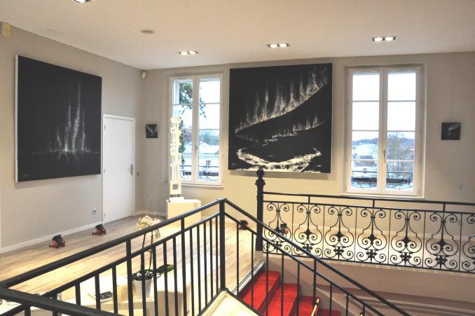 4 verena von lichtenberg artiste peintre des tableaux au couteau acrylique du noir mais pas du soulage