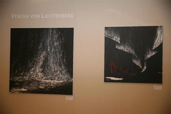 4 une exposition avec les oeuvres d art peinture et tableau de l artiste peintre verena von lichtenberg