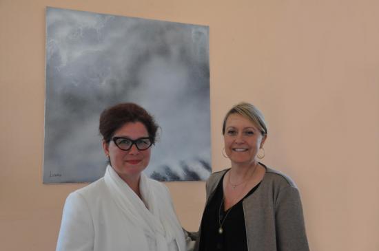 40 verena von lichtenberg artiste peintre ici avec catherine germond en champagne