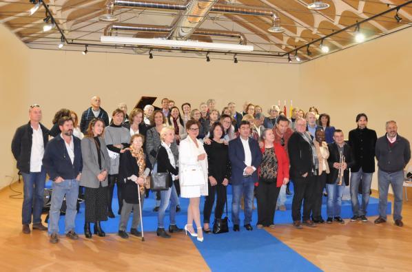 40 3 un accueil pour l artiste peintre verena von lichtenberg ici avec paul pariente miguel angel medranda rivas alcalde presidente valdemos et franc oise icard