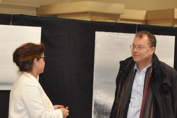 7 une exposition d art et de peinture a romorentin verena von lichtenberg artiste peintre didier guenin 1er adjoint au maire de la ville de romorentin