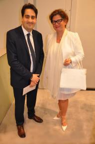 9 1 er adjoint au maire de la ville de paris 8e me vincent baladi et l artiste peintre verena von lichtenberg une exposition d art et de peinture a paris les oeuvres lyrique au cou