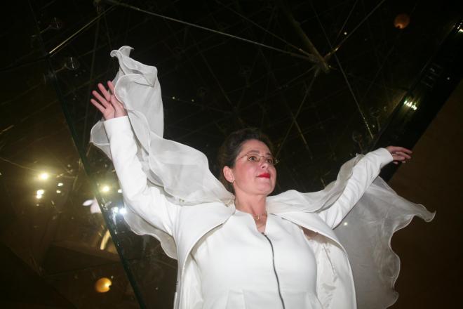 9 cverena von lichtenberg artiste peintre a paris elle est au carrousel du louvre avec ses son exposition d art et ses oeuvres nord licht