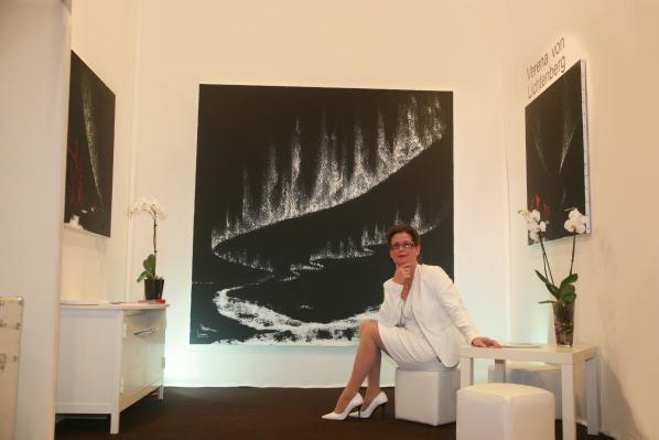 Au louvre a paris une exposition d art et de einture les tableaux et oeuvres de l artiste peintre verena von lichtenberg