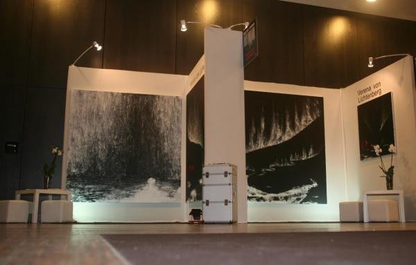 Au louvre l artiste peintre verena von lichtenberg et ses peinttures et oeuvres d art