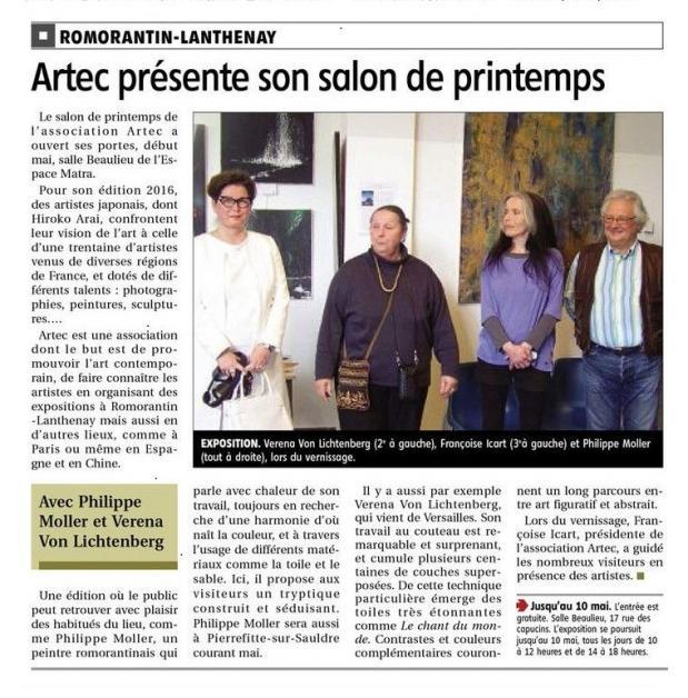 Die malerin und kunstlerin verena von lichtenberg ist in romorantin im musee matra mit ihren bildern der serie nord licht