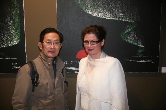 Monsieur michel leang president association des photographes franco chinois photograph de han yuchen et verena von lichtenberg artiste peintre a paris