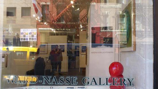 Photo new york artex ward nasse gallery and the artiste verena von lichtenberg a painter from germany she live in paris 2