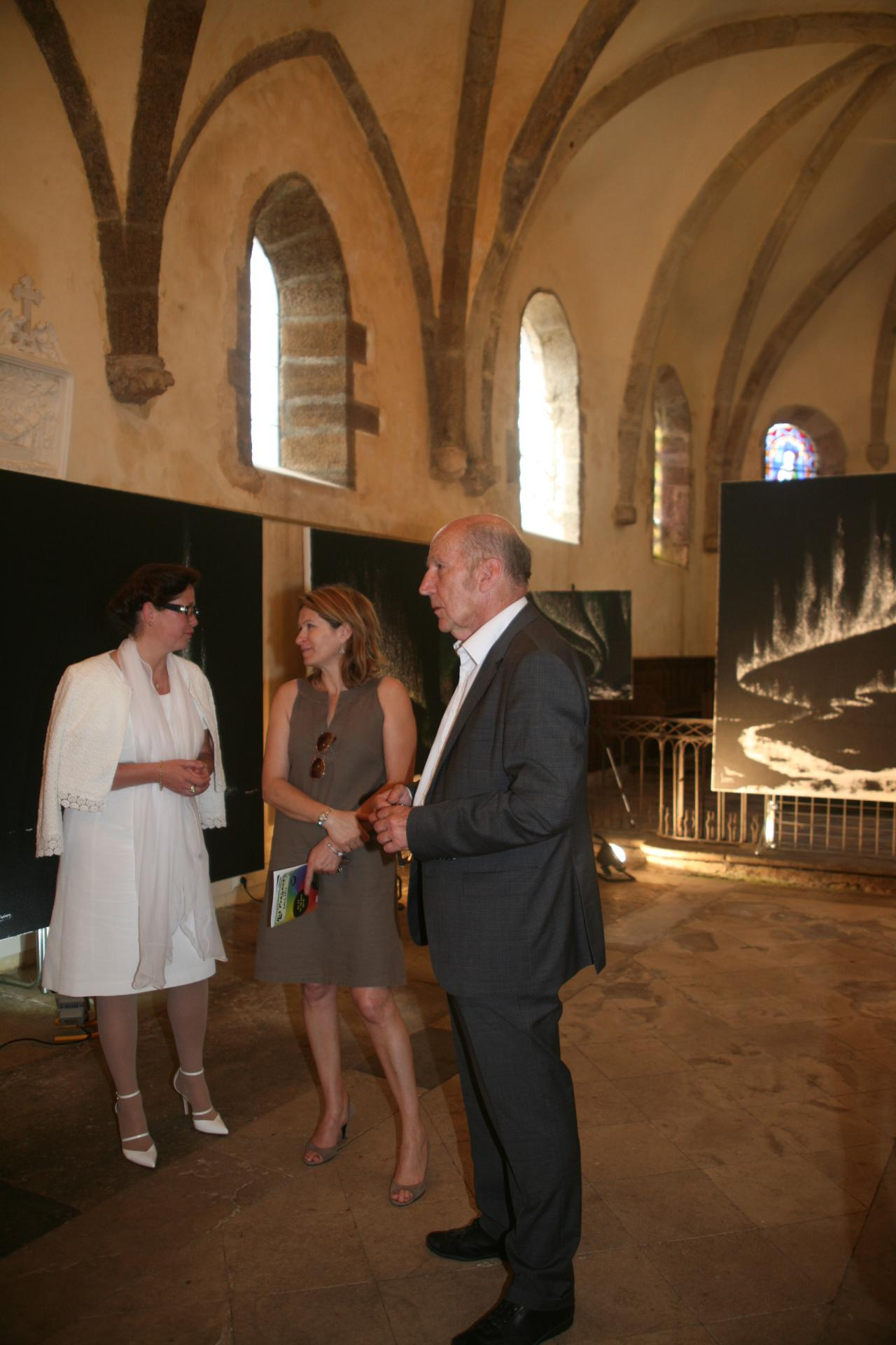 The french painter in saulieu an exhibition verena von lichtenberg and the senator anne catherine loisier der claude larrive