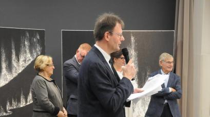 Une exposition d art et de peinture verena von lichtenberg artiste peintre les e lus de tinqueus des tableaux qui sont en en muse es et galeries d art elle est en champagne reims
