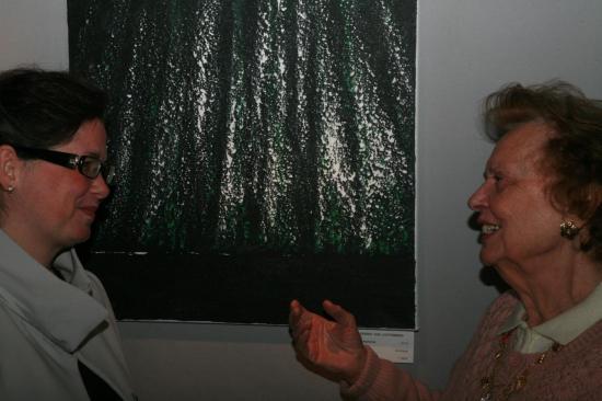 z1003-1-l-artiste-peintre-verena-von-lichtenberg-avec-l-artiste-peintre-celia-huet-a-honfleur-au-salon-des-artistes-contemporains.jpg